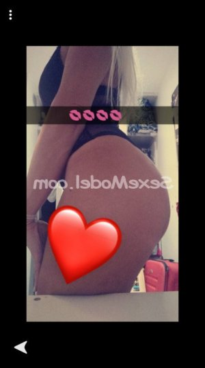 Rabiya sexemodel massage escorte girl à Dole