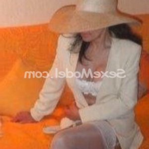 May-lin escorte girl massage tantrique