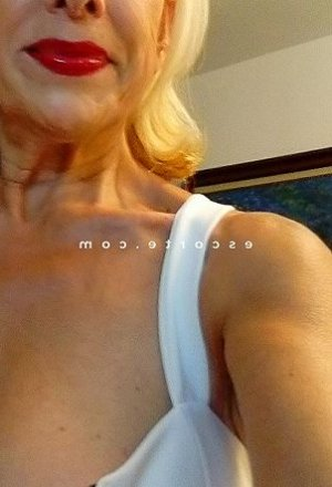 Robertine massage sexe escorte girl